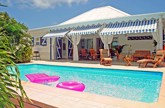 Pin belle images christmas wallpapers title photos for Bungalow avec piscine martinique